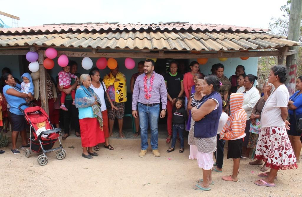 Inaugura Kike Arreola cuartos rosas en Cintalapa con una ...