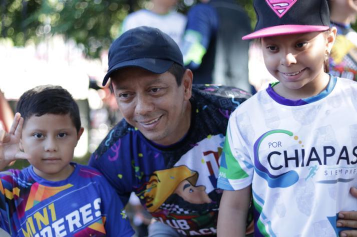 foto-boletin-fge_un-exito-carrera-del-club-corredores-parachicos-y-voluntariado-fge-chiapas-en-chiapa-de-corzo-11_713x475
