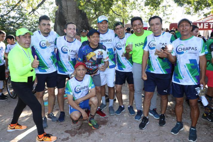 foto-boletin-fge_un-exito-carrera-del-club-corredores-parachicos-y-voluntariado-fge-chiapas-en-chiapa-de-corzo-19_713x475