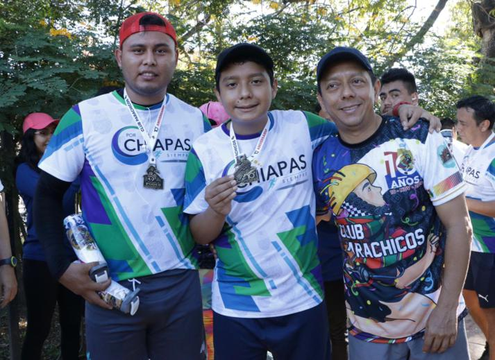 foto-boletin-fge_un-exito-carrera-del-club-corredores-parachicos-y-voluntariado-fge-chiapas-en-chiapa-de-corzo-21_713x519