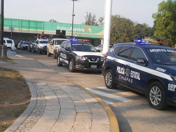 • Mediante rondines y patrullajes en los alrededores de centros y plazas de comercio brindan seguridad