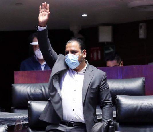 Eduardo Ramírez Aguilar, senador por Chiapas solicita