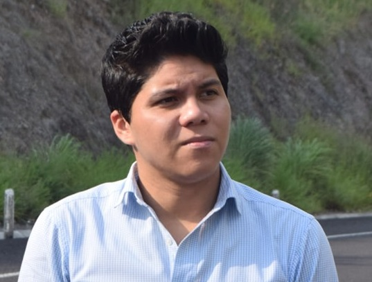 Víctor Torres López fue director de Poder Joven Colima del Gobierno del Estado, fue candidato a diputado local y ex servidor público del Ayuntamiento de Colima. Es Licenciado en Derecho por la Universidad de Colima y por concluir una Maestría en Juicio de Amparo.